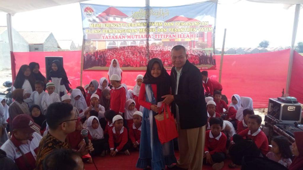 Santunan Akbar Lebaran Yatim 100 Anak 1440H Yayasan Mutiara Titipan Illahi