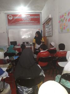 Les Matematika Anak-anak Yatim Yayasan Mutiara Titipan Illahi