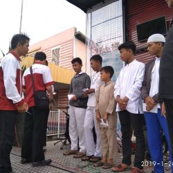 Santunan Anak-anak Hebat kp. Citengkor Rt 19 Rw 05 di Cisaat kerjasama dengan Forum Pemuda Citengkor Cisaat Sukabumi Senin, 28 Januari 2019